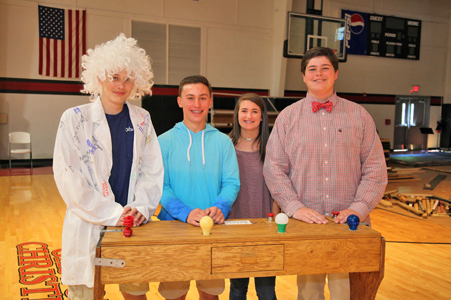 Middle School Holds Einstein Contest